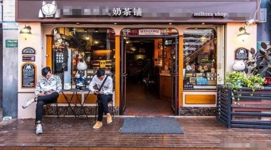 两个大学生的餐饮连锁店创业经历